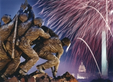 Iwo_Jima_Marine_Memorial_Washington_Fireworks_1989_Polimeni