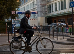 Bicyclist in Paris